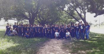 Alunos e professores do Colégio CENAZA junto com a equipe AGA.