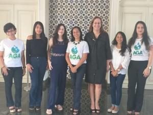 Equipe da AGA e alunas do Projeto de Licitação Sustentável